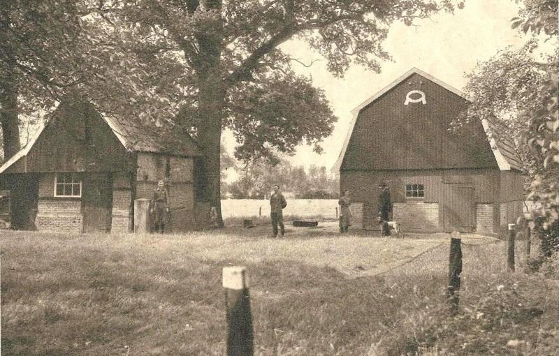 Boerderij Rotman bewoner Bergman in Breklenkamp (Panorama 37e Jaargang no 406 October 1950