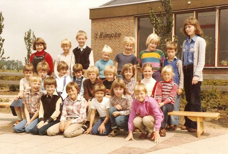 Klassenfoto schoolfoto lagere school 't Kämpke Lattrop 1980