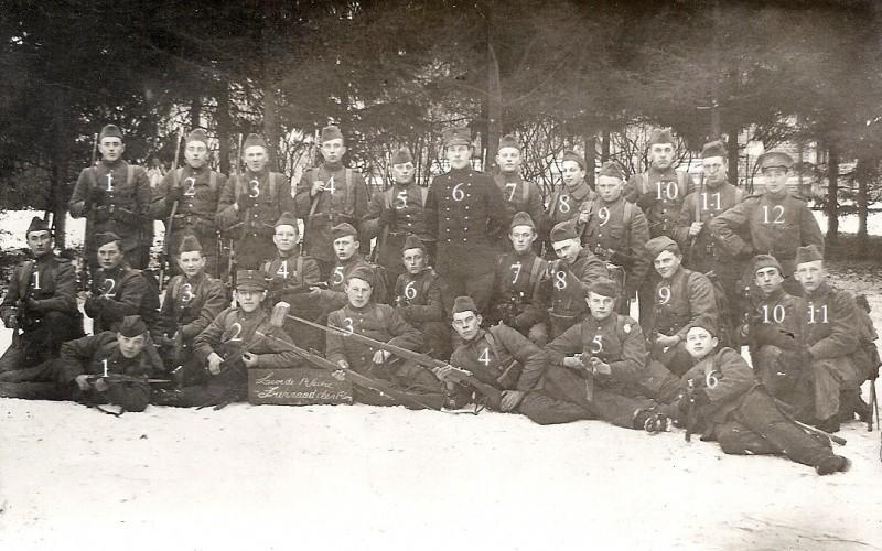 1e Sectie van de 1e Compagnie (foto op stormbaan bij Molenveld Groesbeekseweg Nijmegen)