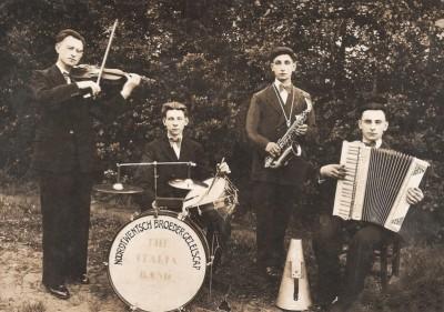Noord Twentsch Broeder Gezelschap 'The Italia Band' in Lattrop