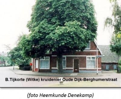 B.Tijkorte (Witke) kruidenier Oude Dijk-Berghumerstraat 1