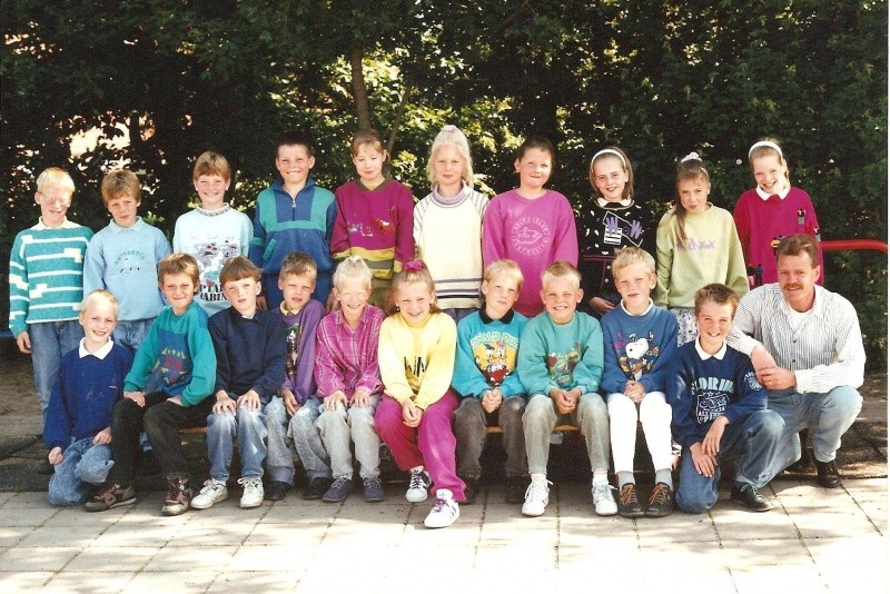 Klassenfoto Basisschool Lattrop klas 5 en 6 1990