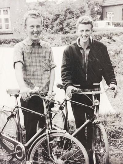 Bennie Snoeijink (Sneuijman) en Jan Oortman (Möller) Lattrop 1957