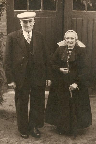 Bernard Roelink (Vootsmid) en Maria Frons Lattrop Foto 1952