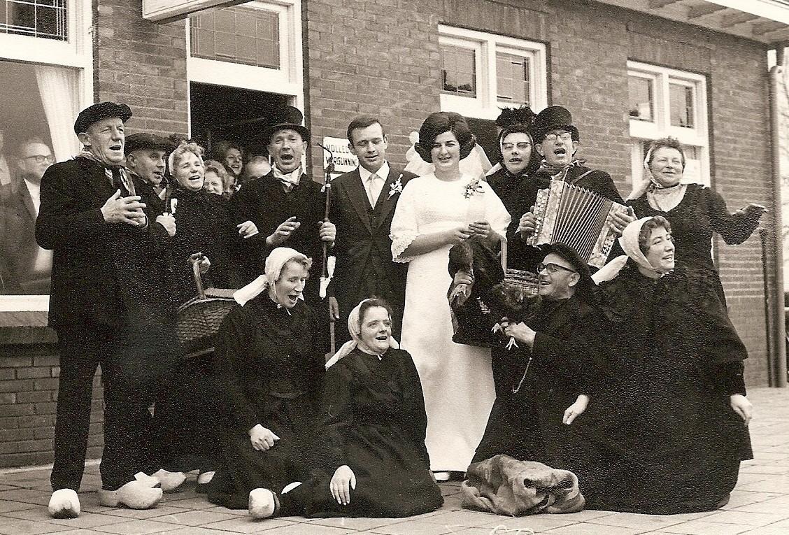 Bruiloft Bennie Veldhuis en Paulien Lansink Lattrop 1969