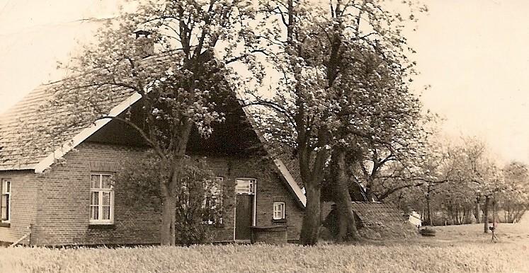 Foto boavneand 'de Kniepe' Tilligte met schuur en tuffelkoel