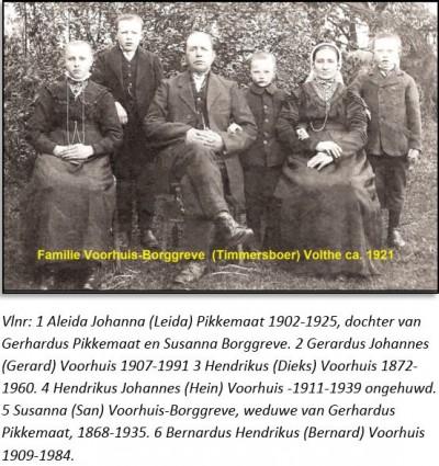 Familie Voorhuis-Borggreve (Timmersboer) Volthe ca. 1921
