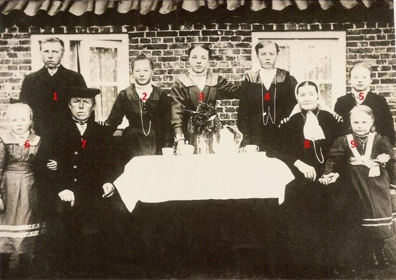 Familie Beijerink-ten Dam (Kupersboer) Tilligte ca 1919