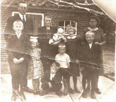 Familie Niehoff-Busscher in Volthe 1943