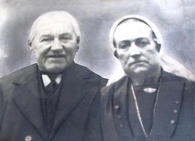 Gerardus Lambertus Hassink en Maria Gortemaker op Klinge in Noord Deurningen