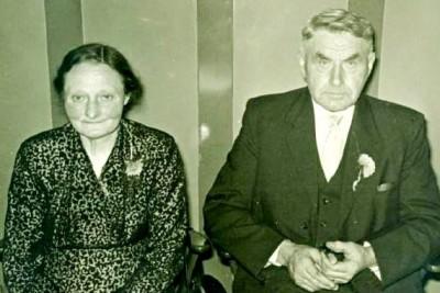 Gerardus Johannes Hulsmeijers en Anna Gesina Niehoff (Dekker) Breklenkamp (Foto 1963)