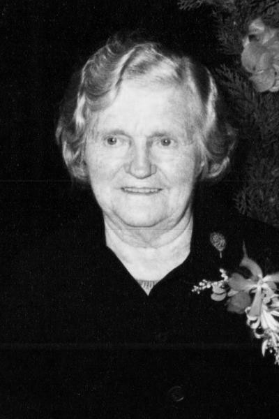 Hanna Kuiper-Damhuis op Damhuis noord Deurningen