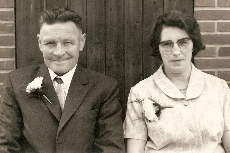 Hannes Wiefferink en Trui Hofste Lattrop 1968 25-jarig huwelijk