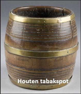 Houten tabakspot Pikkemaat op broekhuis Klein Agelo