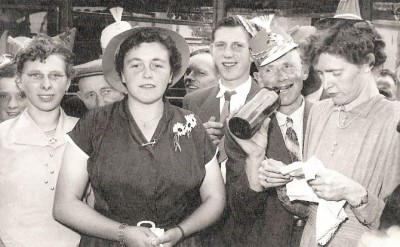 Huwelijk Johan Reerink (Koelman) en Marietje Steunebrink Lattrop plm. 1955