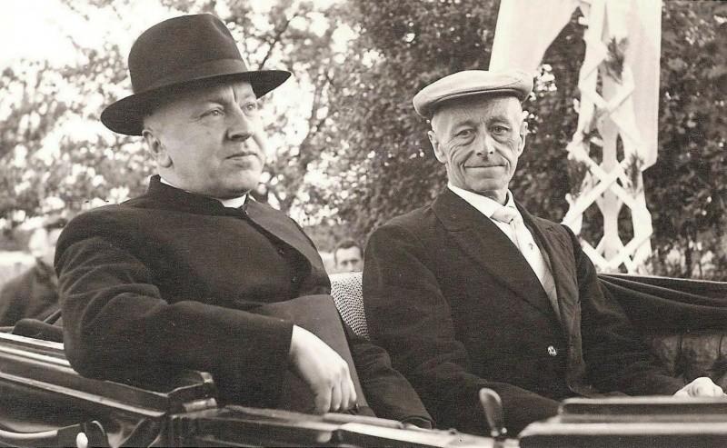 Intocht Pastoor BH Meije rLattrop 1959 met Hendrik Niehoff