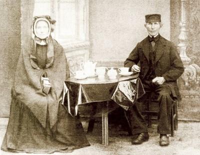 Jan Molendijk (1793-1863) en Jenne Brookman (1795-1865) op Molendijk Breklenkamp foto ca 1860