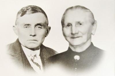 Jan Bossink en Marie Bossink-Peters in Hezinge