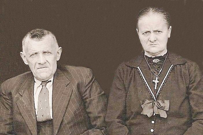 Jan Gradus (Jens) Reerink (1879-1967) en Geertruida (Trui) Weernink Lattrop (1886-1966)