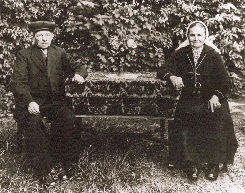 Johannes Roelofs en Aleida Wyferink op Roelofshuijs in Lattrop