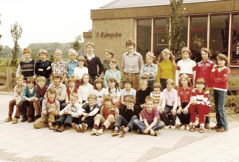 Klassenfoto 1980-5 Lattrop