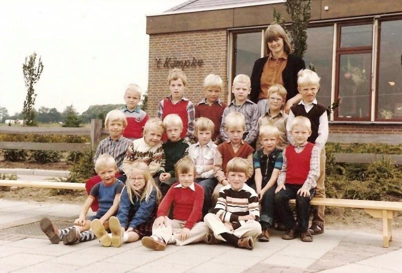 Klassenfoto 1980-6 Lattrop