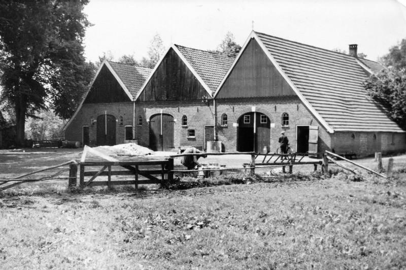 'Ootmarsum-Tilligte'. Is dit een 3-kaps boerderij in Tilligte?