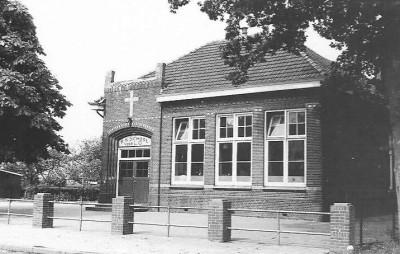 Oude school in Tilligte