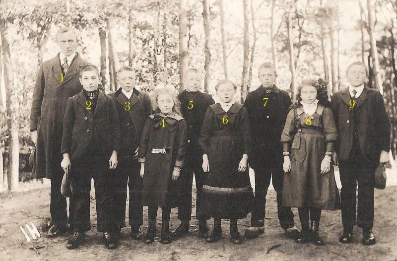 Schoolfoto Openbare Lagere School Lattrop (Foto ca. 1922)