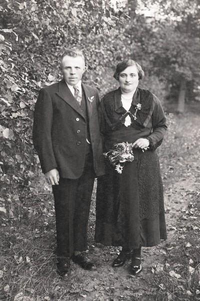 Trouwfoto Gerardus Hendrikus (Hendrik) Tijscholte en Susanna Euphemia (Feem) Scholte Lubberink Lattrop (Foto GE Wigger)