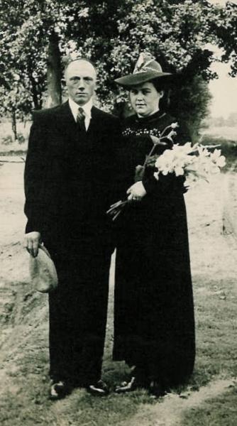 Trouwfoto Hannes Haamberg en Leis Ruel 1946