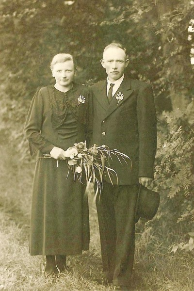 Trouwfoto Hendrik Bosink en Zwenna Markert (de Weerd) Breklenkamp 1938