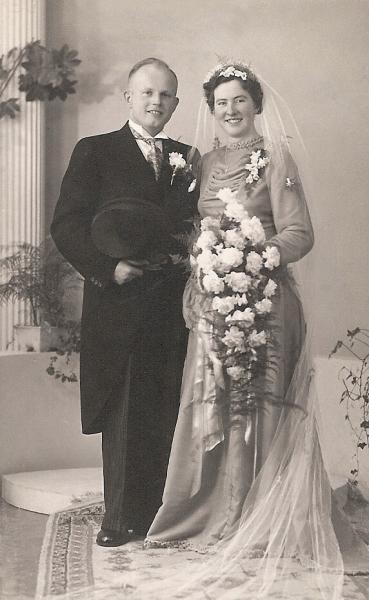 Herman Horsthuis (*17-2-1919) is in 1950 gehuwd met M.C. Mollink uit Fleringen