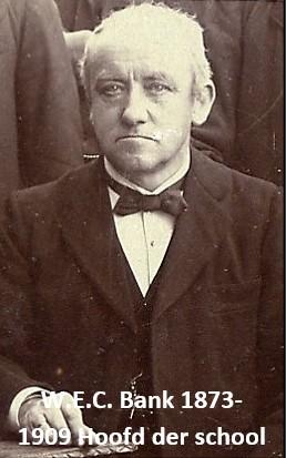 W.E.C. Bank hoofd der school in Tilligte van 1873 tot 1909