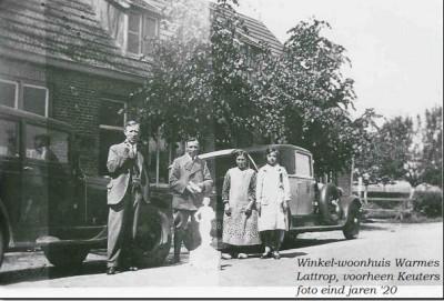 Winkel-woonhuis Warmes Lattrop, voorheen Keuters Foto eind jaren '20