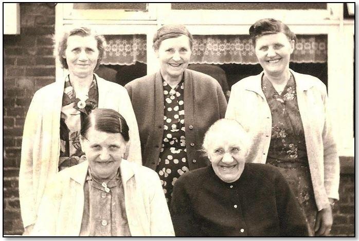 Zusters Huisken Breklenkamp stvlnr Feem Hanna en Leida Marie en Sina